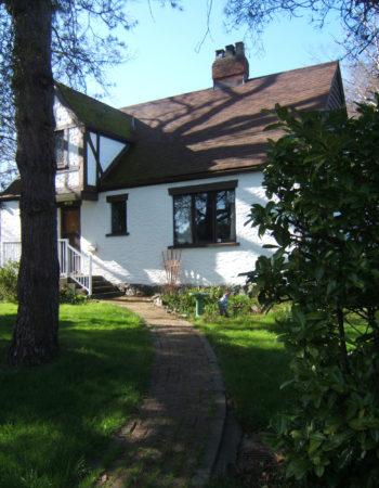 1930'S Tudor Gorge Home 420 rentals-B&B