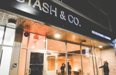 Stash & Co Cannabis Store Ottawa on Bank