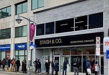 Stash & Co. – Centretown, Ottawa